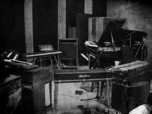 IMG_1701.BW.PIANOS