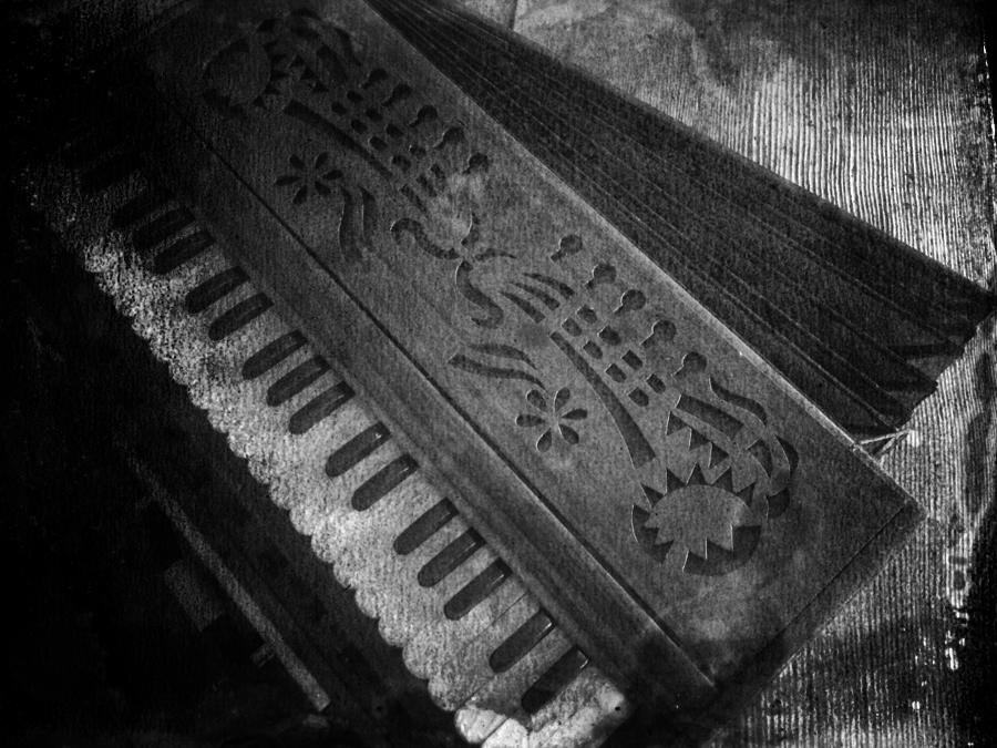 harmonium.bw.DARK.IMG_4737.BW