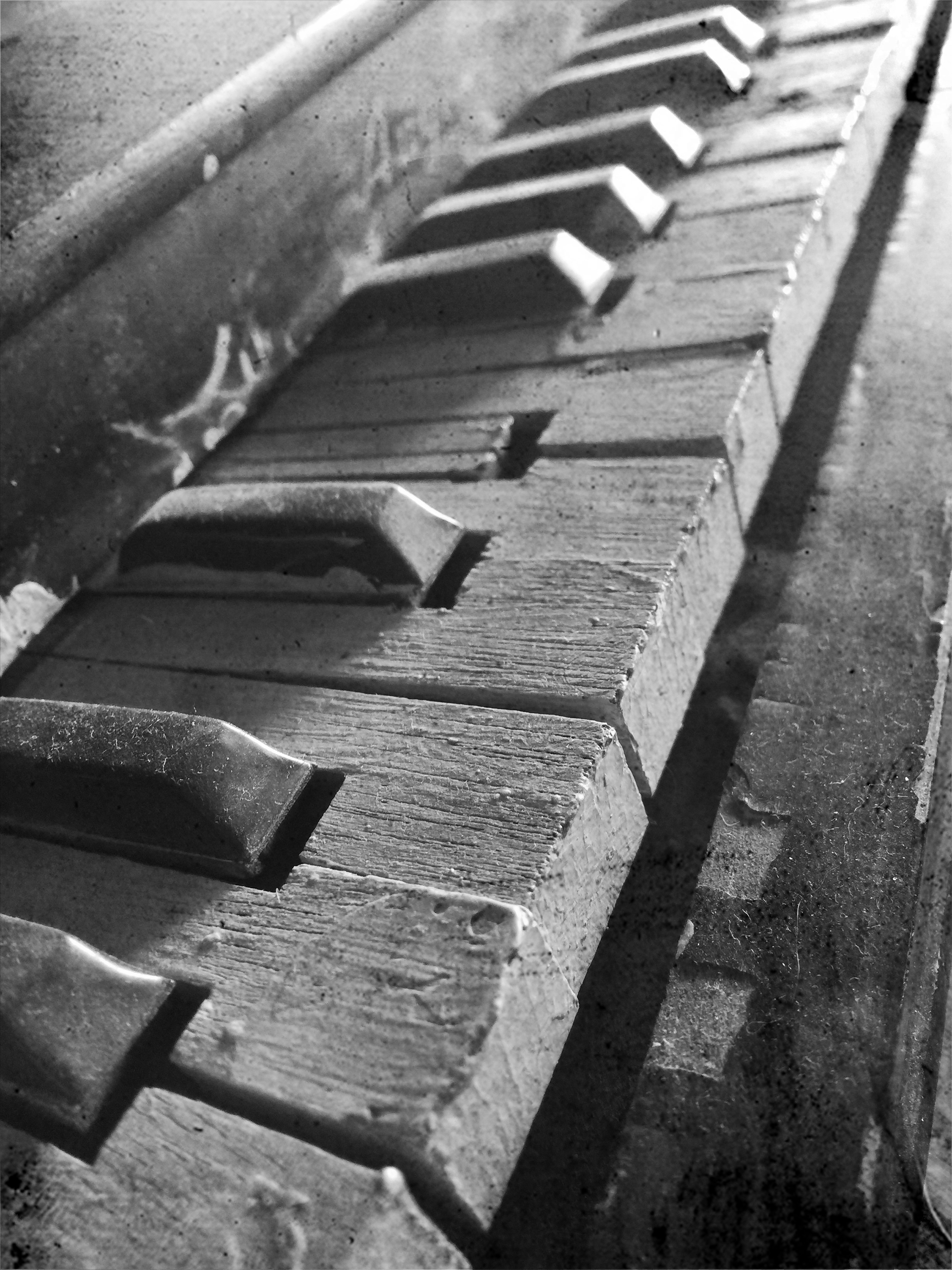 toy pianoIMG_7027.bw